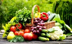Органические овощи и фрукты